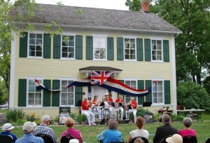 The concert in full swing in front of Dickinson House
